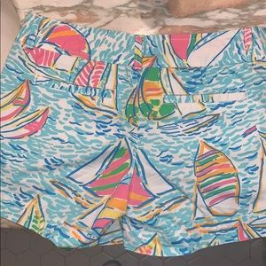 Lilly Pulitzer Shorts - Lilly Pulitzer you gotta regatta shorts